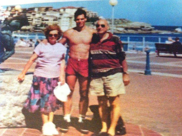 Ο Γιάνης Βαρουφάκης με τους γονείς του