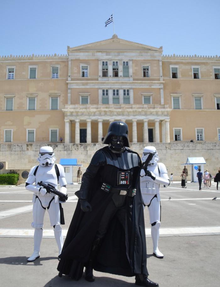 Απόβαση Star Wars μπροστά στη Βουλή - εικόνα 2