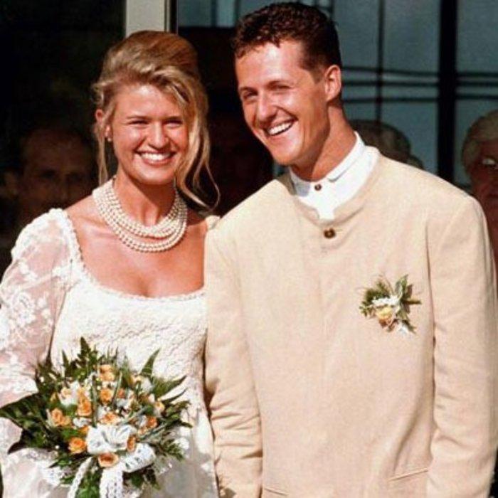 Ο Μάικλ Σουμάχερ και η σύζυγός του Κορίνα Μπεντς την ημέρα του γάμου τους