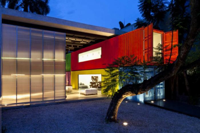 Τα 15 ομορφότερα σπίτια φτιαγμένα από κοντέινερ αξίας 2.000 ευρώ!