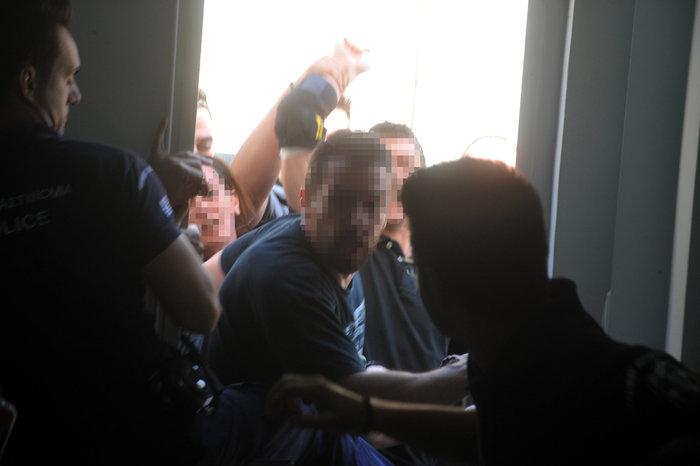 Επίθεση «Πυρήνων» στη δίκη της Χρυσής Αυγής - εικόνα 4