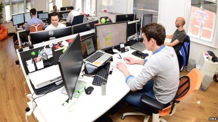 Τα γραφεία της εταιρείας του στο Σόχο του Λονδίνου