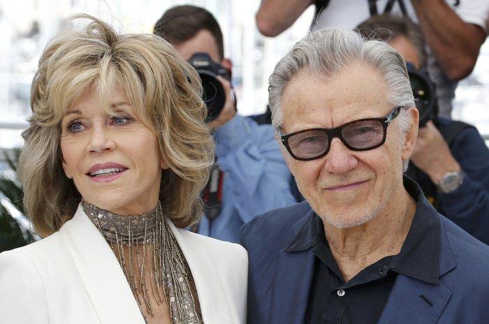 Κάννες:Ποια είναι η 77χρονη ντίβα του Χόλιγουντ που...χουφτώνει τον Καϊτέλ;