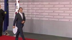 o-tsipras-sto-kokkino-xali-sti-sunodo-korufis-sti-riga