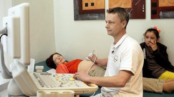 Εξηνταπεντάχρονη γέννησε τετράδυμα στην Γερμανία