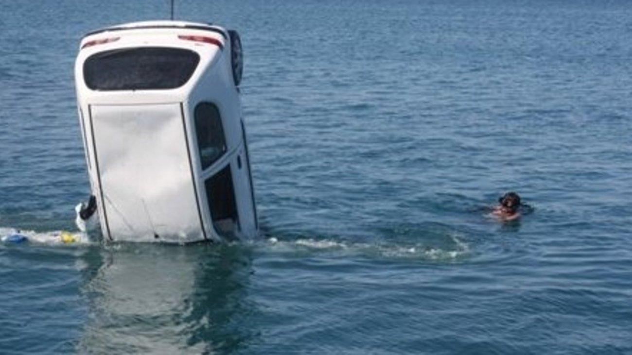 Αποτέλεσμα εικόνας για αυτοκίνητο θάλασσα