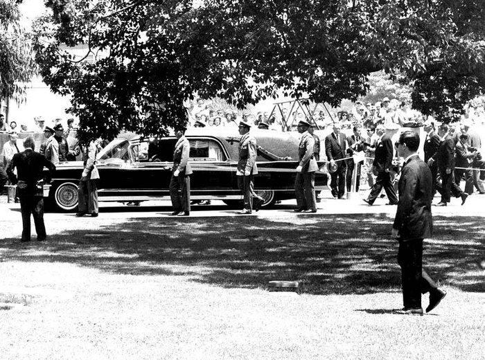 Στιγμιότυπο από την κηδεία της Μέριλιν Μονρό