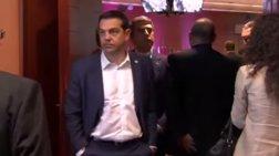 spigkel-skeptikos-simera-o-tsipras-meta-ta-xthesina-xamogela