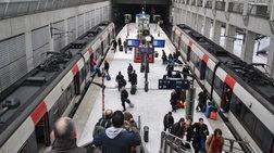 Φυλάκισαν δύο κοριτσάκια στο αεροδρόμιο του Παρισιού