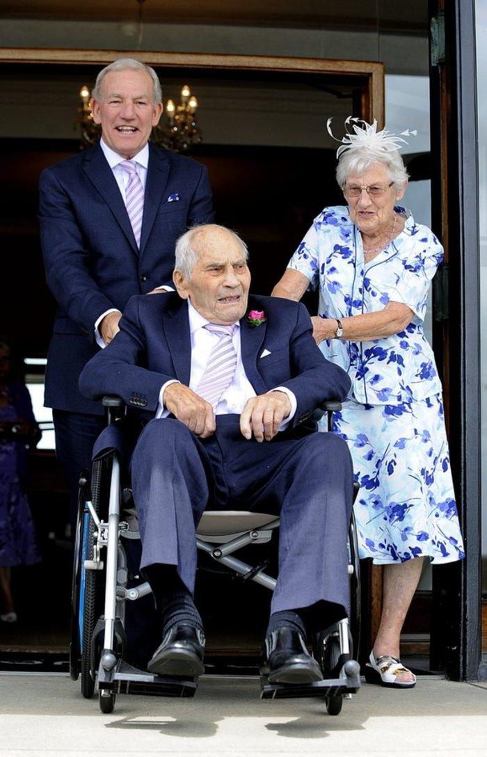 Εκείνος 103, εκείνη 91, μόλις παντρεύτηκαν και μπήκαν στο βιβλίο Γκίνες! - εικόνα 4