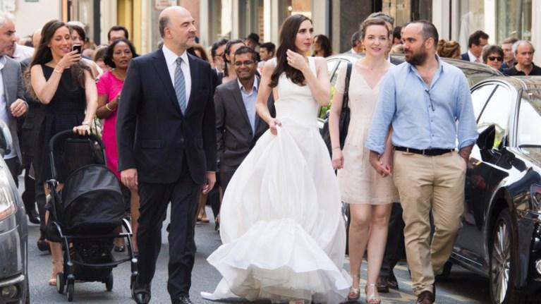 2caf91dac0d0 Ο Μοσκοβισί παντρεύτηκε την 35χρονη σύντροφό του