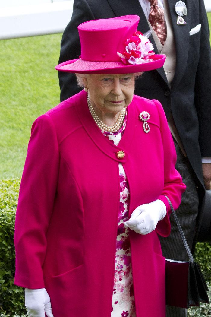 Θρίαμβος του φούξια για τη Βασίλισσα Ελισάβετ