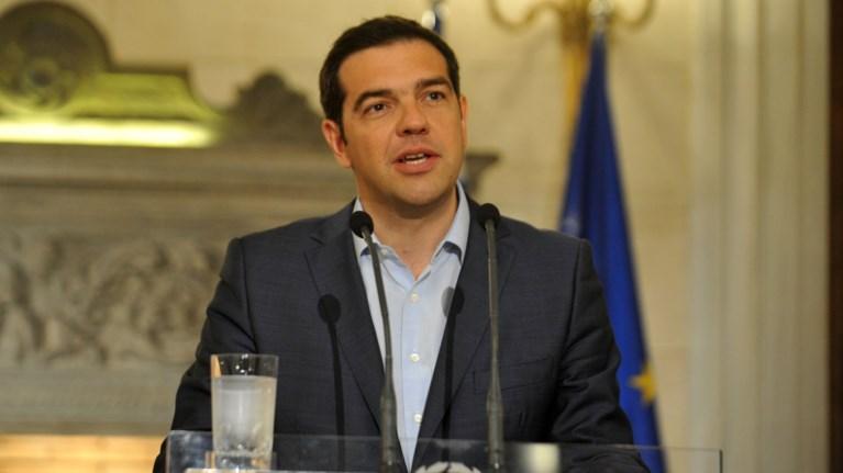 tsipras-stin-tagesspiegel-oi-germanoi-den-plirwnoun-tous-ellines
