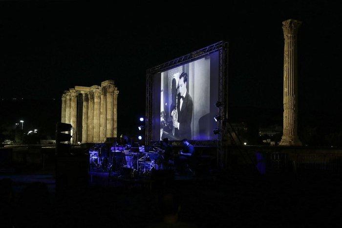 Athens Οpen Air Film: Μπάστερ Κίτον με φόντο τους Στύλους Ολυμπίου Διός