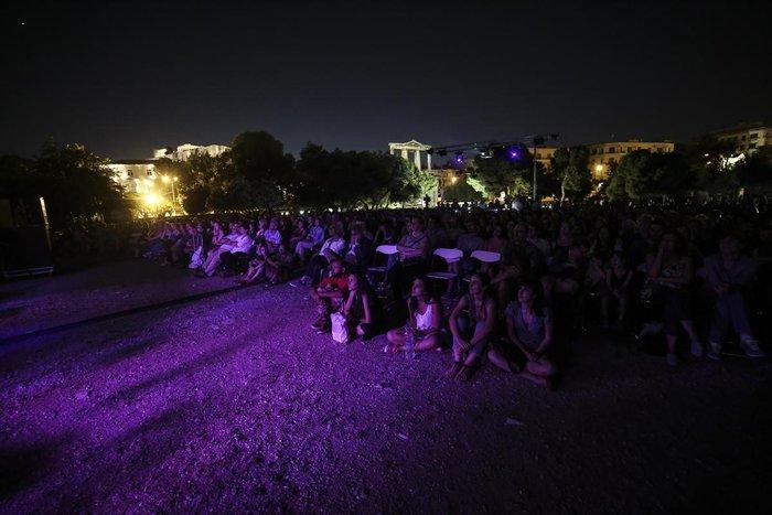 Athens Οpen Air Film: Μπάστερ Κίτον με φόντο τους Στύλους Ολυμπίου Διός - εικόνα 2
