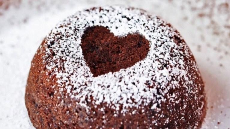 lava-cakes---ena-paneukolo-kai-seksu-sokolatenio-epidorpio