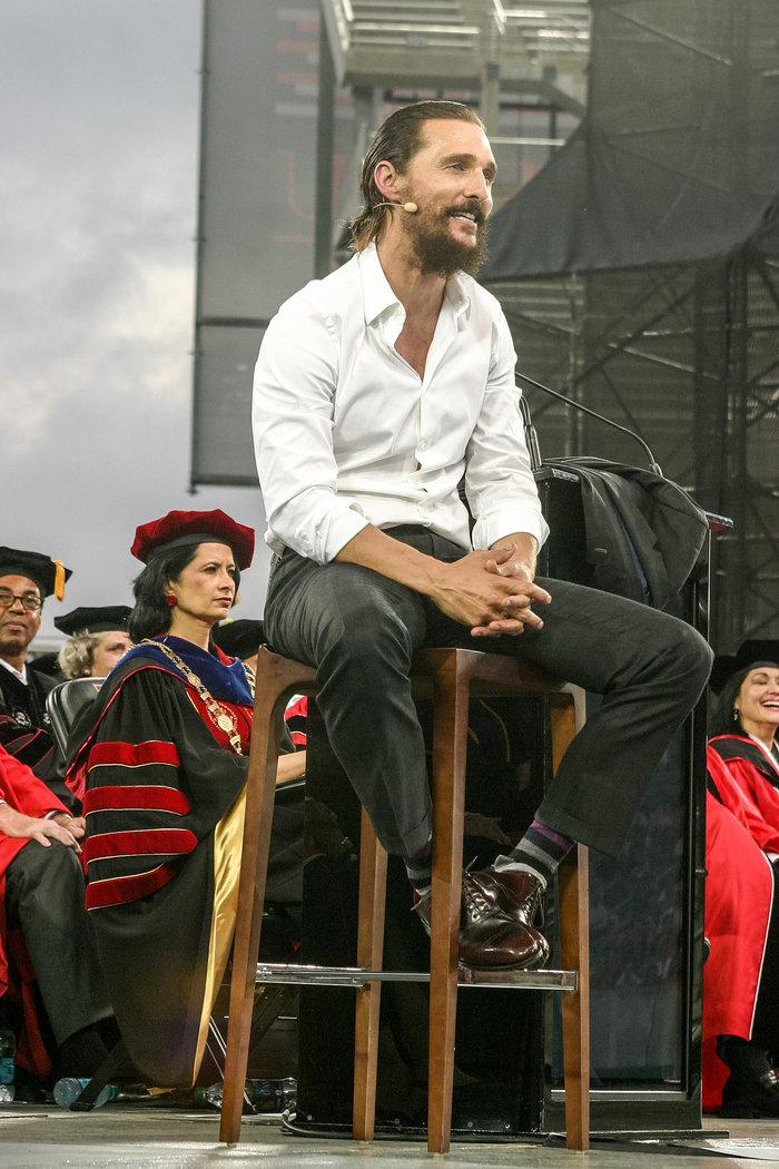 Οι 7 καλύτερες ομιλίες αποφοίτησης που έχουν δώσει γνωστοί celebrities!