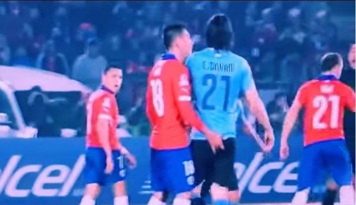 Copa America: Σάλος για το ...δάχτυλο στον Καβάνι  (video)