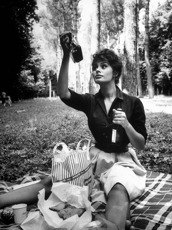 Καλοκαιρινό πικ νικ στο δάσος για  τη Σοφία Λόρεν