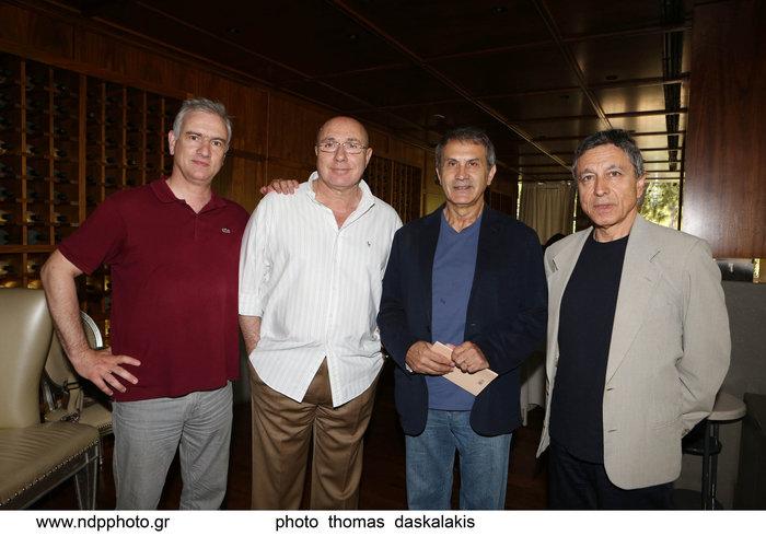 Στη σημερινή συνέντευξη τύπου (από αριστερά) Στέφανος Τσιαλής, Γιώργος Λούκος, Γιώργος Νταλάρας, Λουκάς Καρυτινός