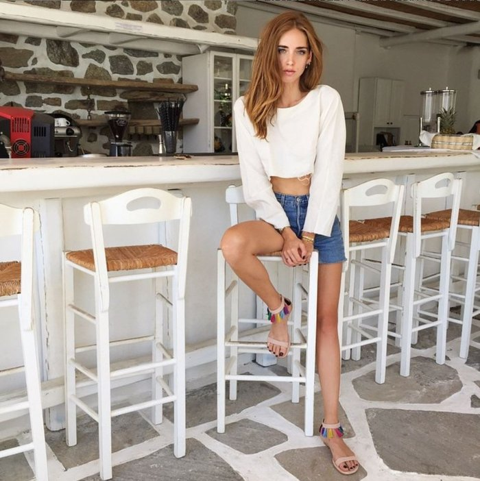 The richest fashion blogger in the world relaxes in Mykonos !-fashion-people re-el magazine