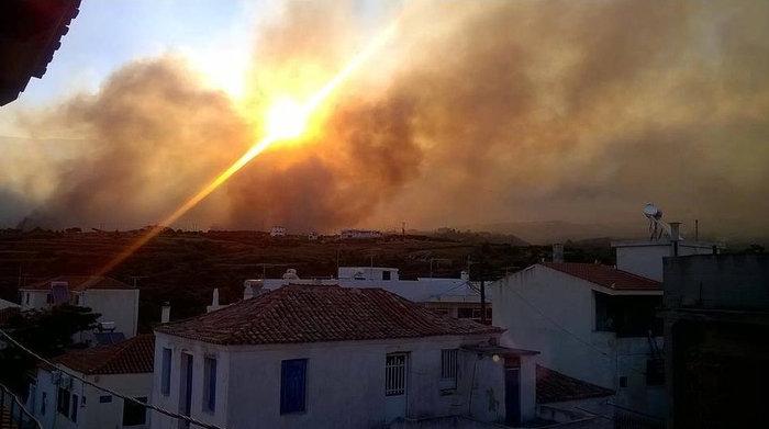 Νεάπολη-Λακωνία: Καίγονται σπίτια, καταστήματα και το Κέντρο Υγείας - εικόνα 20