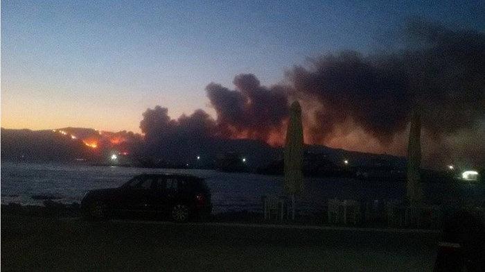 Νεάπολη-Λακωνία: Καίγονται σπίτια, καταστήματα και το Κέντρο Υγείας - εικόνα 22