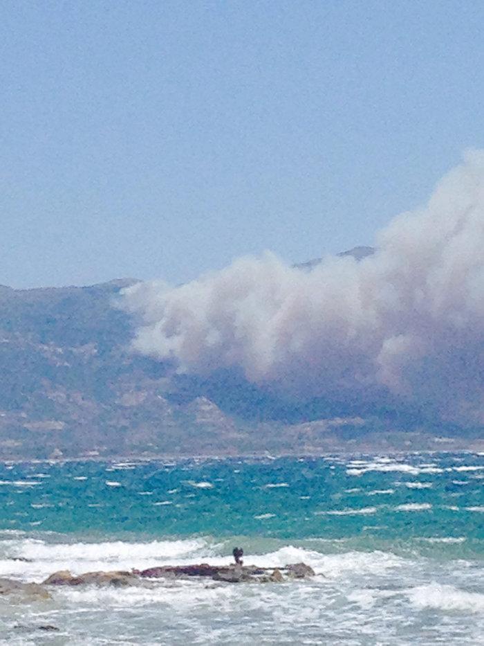 Η μεγάλη φωτιά από την Ελαφόνησσο