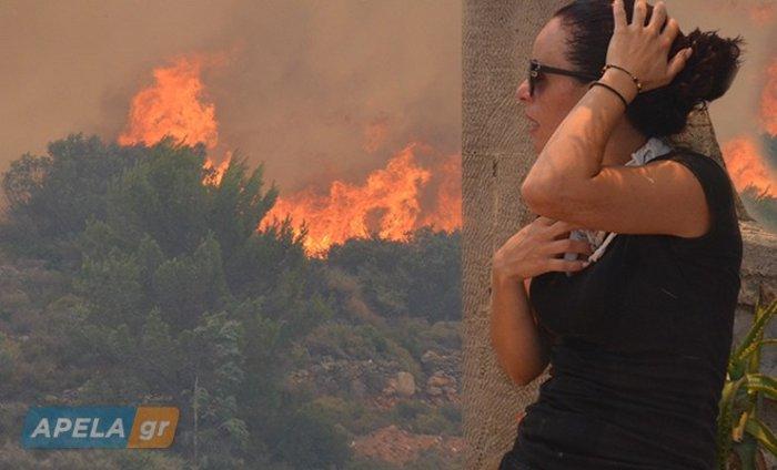 Νεάπολη-Λακωνία: Καίγονται σπίτια, καταστήματα και το Κέντρο Υγείας - εικόνα 2