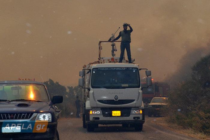 Νεάπολη-Λακωνία: Καίγονται σπίτια, καταστήματα και το Κέντρο Υγείας - εικόνα 9