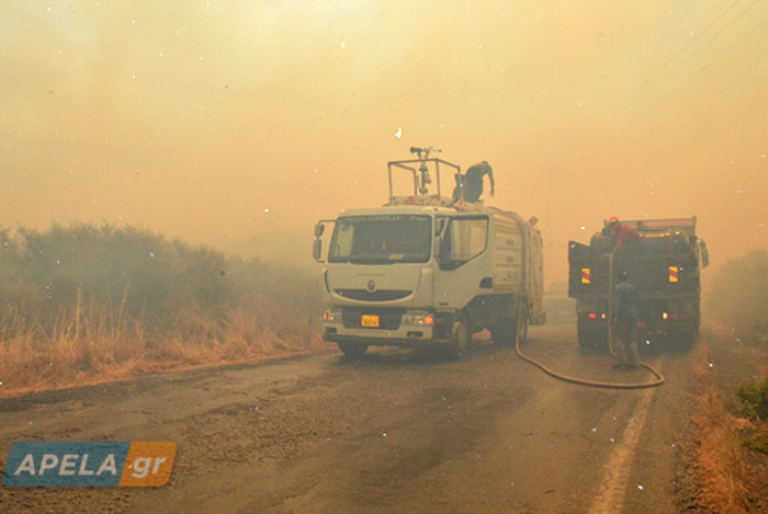 Νεάπολη-Λακωνία: Καίγονται σπίτια, καταστήματα και το Κέντρο Υγείας - εικόνα 10