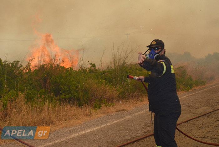 Νεάπολη-Λακωνία: Καίγονται σπίτια, καταστήματα και το Κέντρο Υγείας - εικόνα 11
