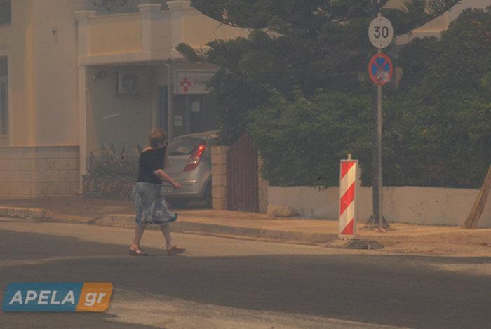 Νεάπολη-Λακωνία: Καίγονται σπίτια, καταστήματα και το Κέντρο Υγείας - εικόνα 14