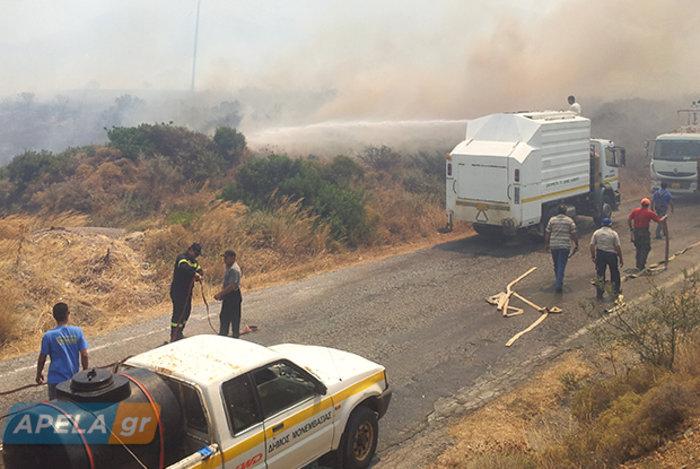 Νεάπολη-Λακωνία: Καίγονται σπίτια, καταστήματα και το Κέντρο Υγείας - εικόνα 16