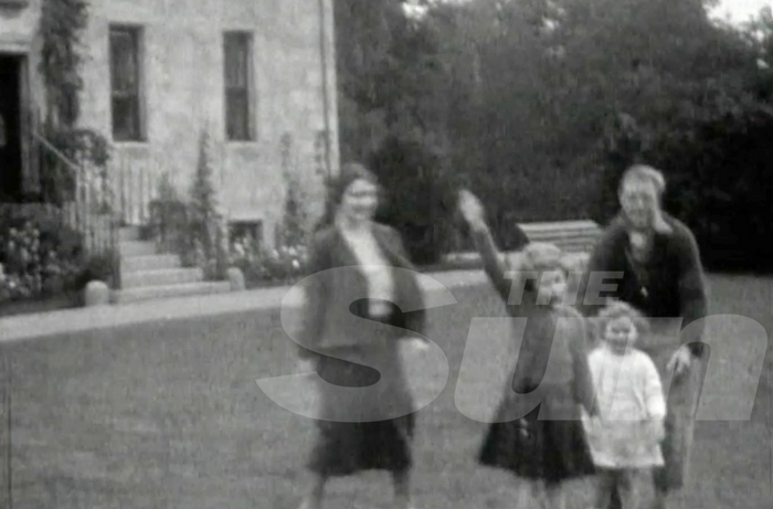 Sun: Η βασίλισσα Ελισάβετ σε ηλικία 7 χρονών χαιρετά ναζιστικά - εικόνα 2