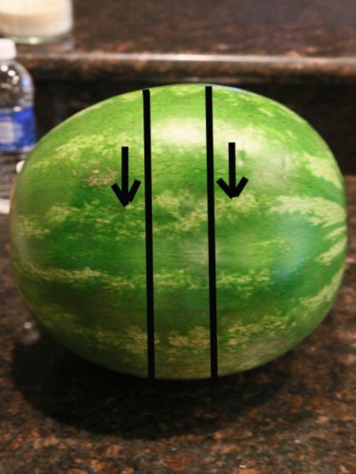 Tutorial: Πως να κόψετε το καρπούζι σε μπαστουνάκια - εικόνα 4