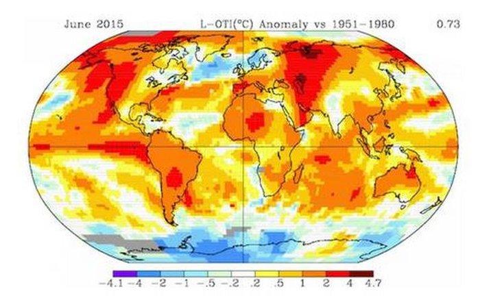 Οι υψηλότερες θερμοκρασίες που παρατηρήθηκαν τον περασμένο Ιούνιο σε όλον τον κόσμο αποτυπώνονται με σκούρο κόκκινο χρώμα