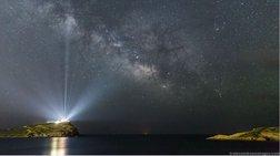 Η φωτό Ελληνα που ξεχώρισε η NASA: Ο Γαλαξίας πάνω από το Ναό του Ποσειδώνα