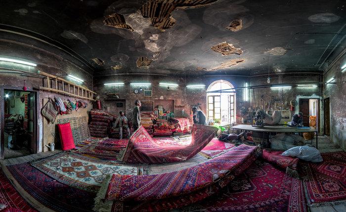 Εργαστήριο επισκευής χαλιών στο Σιράζ