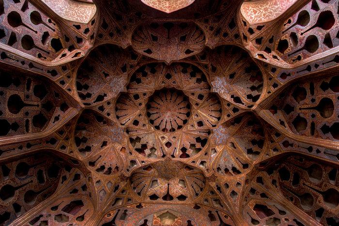 Το ταβάνι του Παλατιού «Alighapu»