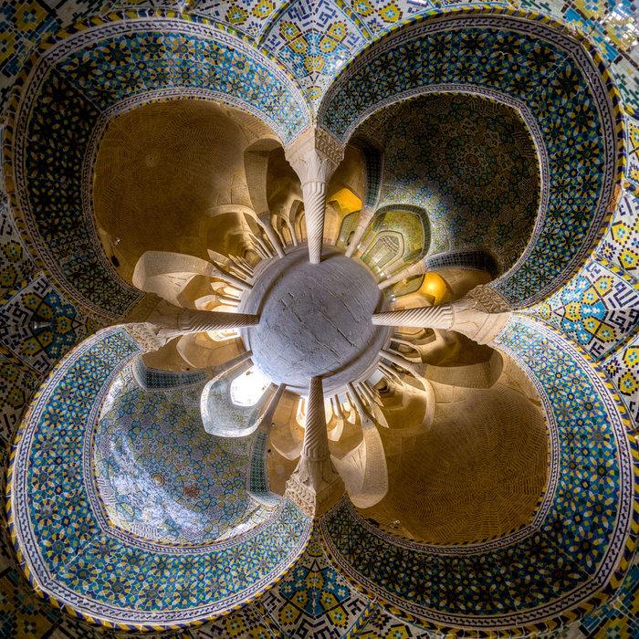 Λουτρό Vakil, Σιράζ