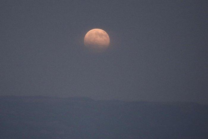 Αυτή η πανσέληνος ήταν ένα αλλιώτικο, αν κι όχι μπλε φεγγάρι (εικόνες) - εικόνα 4