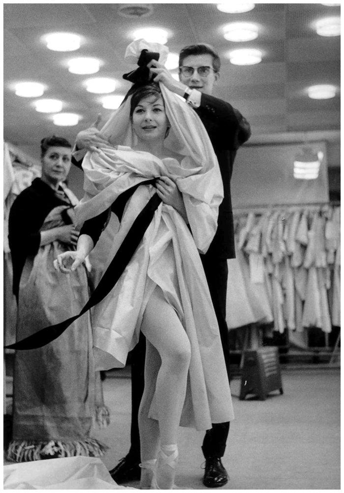 """Υβ Σεν Λοράν: Ο αυτοκαταστροφικός """"άγιος"""" της μόδας - Η υψηλή ραπτική, τα ναρκωτικά και τα όργια - εικόνα 4"""