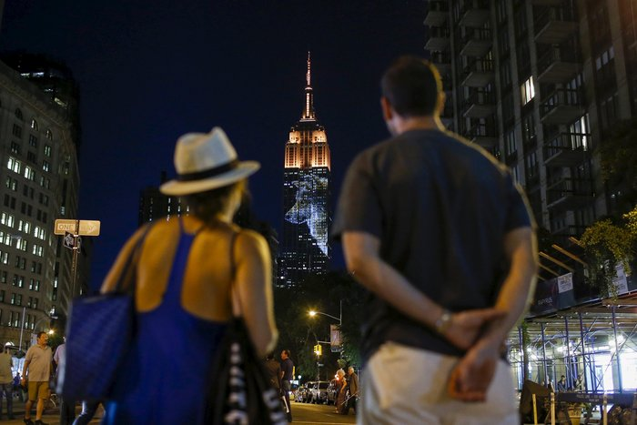 Ο Σεσίλ στο πιό εμβληματικό κτίριο της Νέας Υόρκης - εικόνα 2