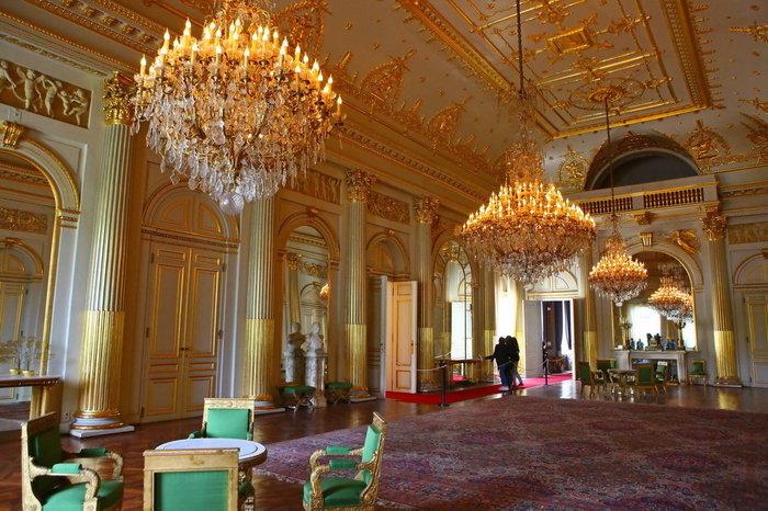Περιηγηθείτε μέσα στις αίθουσες του Παλατιού των Βρυξελλών