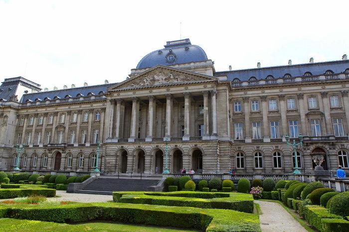 Περιηγηθείτε μέσα στις αίθουσες του Παλατιού των Βρυξελλών - εικόνα 2