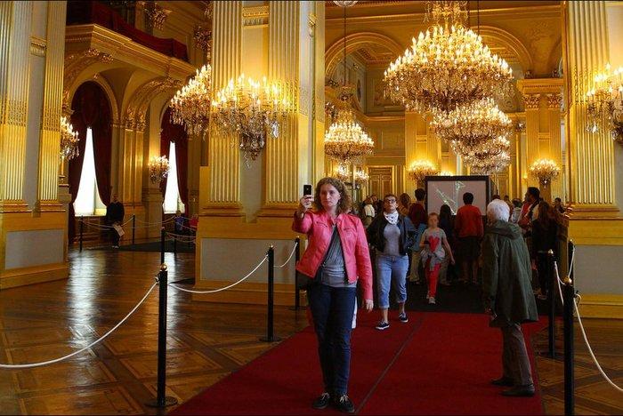 Περιηγηθείτε μέσα στις αίθουσες του Παλατιού των Βρυξελλών - εικόνα 3