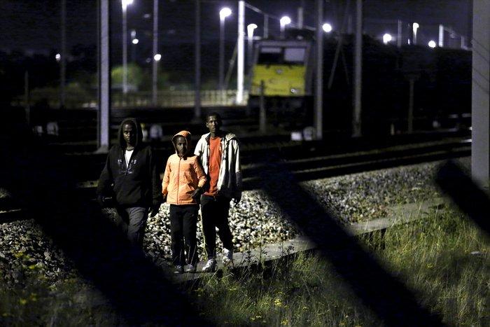 «Εξέγερση» μεταναστών στη Σήραγγα της Μάγχης - εικόνα 4
