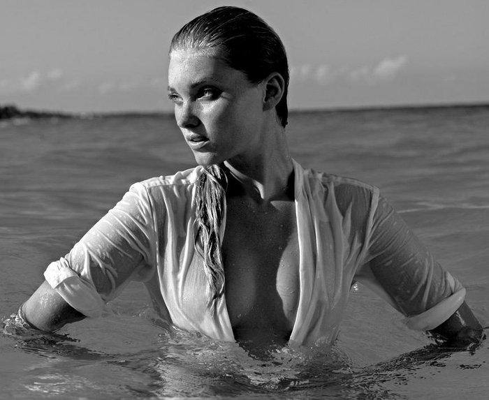 Η Έλσα Χοσκ είναι ο  Άγγελος της Victoria's Secret που... έβαζε τρίποντα!