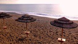 Τρεις ελληνικές παραλίες έχασαν τη γαλάζια σημαία τους: Δείτε ποιες είναι